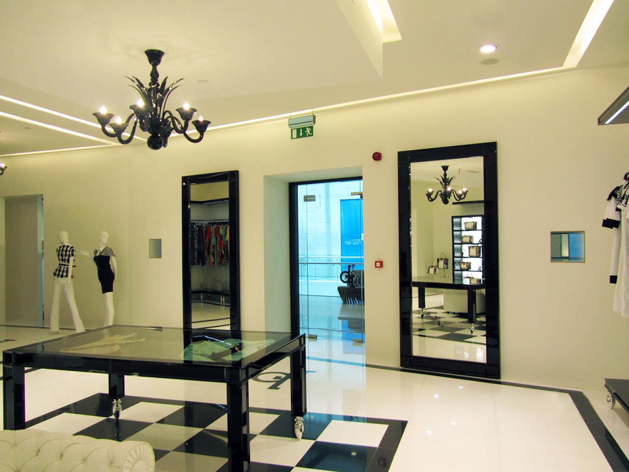 Roccobarocco Shop (Doha – Qatar) 02